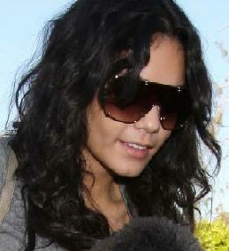 Vanessa Hudgens Visited A Girlfriend In North Hollywood