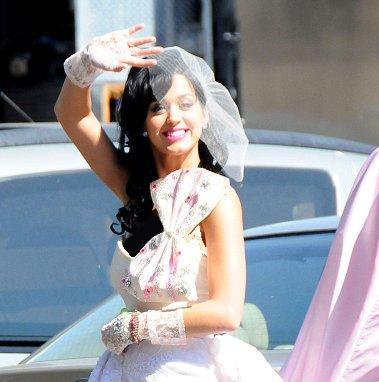 Katy perry wedding dress with russell brand