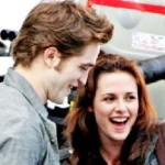 Robert Pattinson & Kristen Stewart Share Laugh