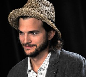 ashton kutcher, ashton kutcher on twitter, twitter ashton kutcher