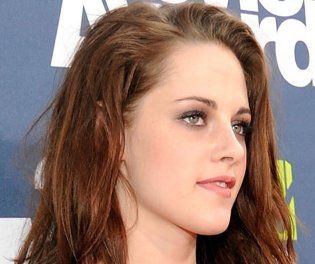 kristen stewart, kristen stewart kristen stewart, latest news on kristen stewart, kristen stewart on the road,