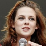 Kristen Stewart Opens Up About Robert Pattinson & Michael Angarano