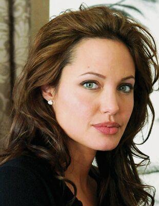 Angelina Jolie, France