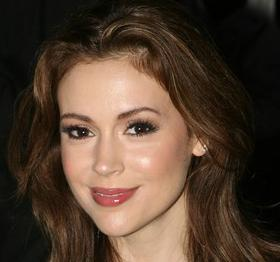 alyssa milano, alyssa milano news, alyssa milano breastfeeding, alyssa milano daughter