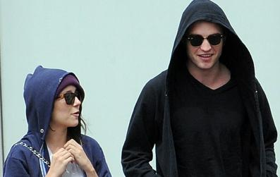 Shannon Woodward and Robert Pattinson