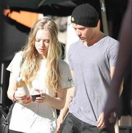 Amanda Seyfried And Ryan Phillippe
