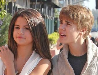 Selena Gomez and Justin Bieber, justin bieber selena gomez, selena gomez with justin bieber, justin bieber with selena gomez, selena gomez & justin bieber