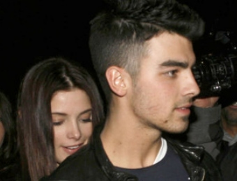 Ashley Greene and Joe Jonas