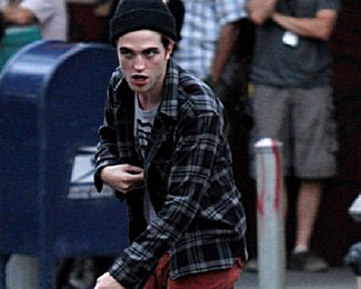 Robert Pattinson,robert pattinson pics, latest robert pattinson news, latest on robert pattinson