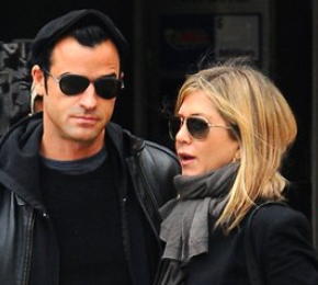 Justin Theroux and Jennifer Aniston, jennifer aniston diamond, jennifer aniston ring