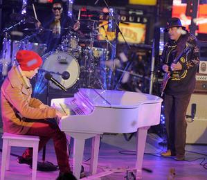 Justin Bieber and Carlos Santana