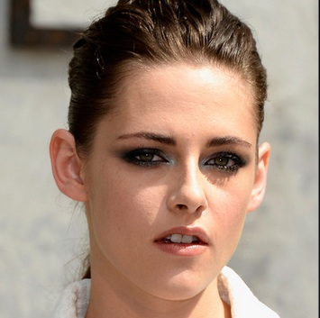 pictures of kristen stewart, kristen stewart gay, latest news on kristen stewart, kristen stewart daily