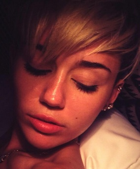 miley cyrus photos, miley cyrus pictures, miley cyrus pics, miley cyrus the last song